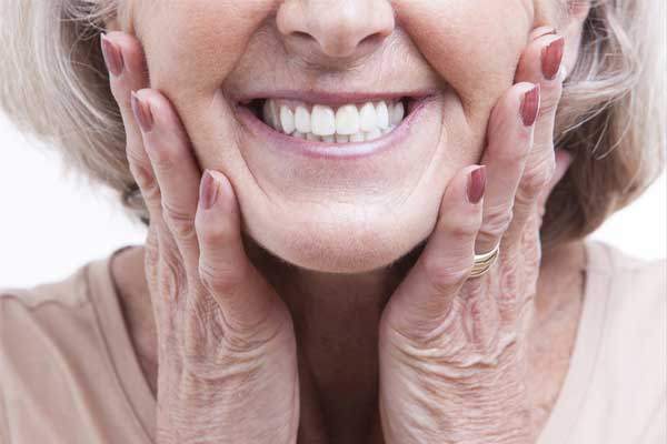 نگهداری و مراقبت از دندان های مصنوعی