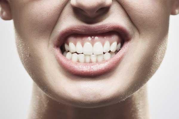 بروکسیسم یا دندان قروچه