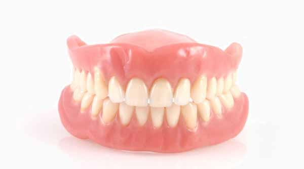 انتخاب پروتز دندان | دندانهای مصنوعی عین طبیعی
