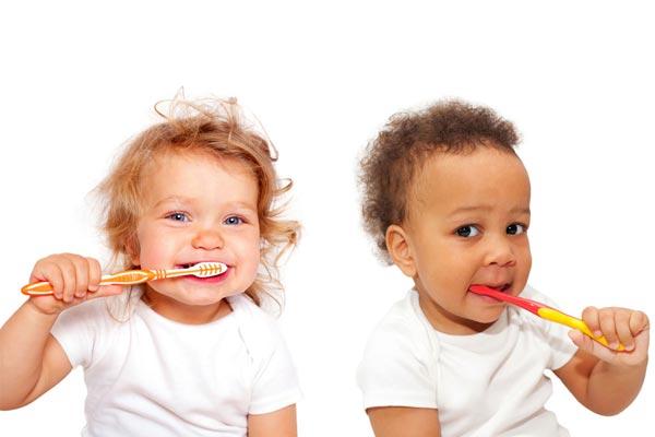 مراقبت از دهان و دندان کودکان