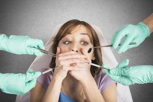 ترس از دندانپزشک | خونریزی بعد از کشیدن دندان